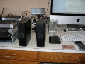 WD MyBooks: backup (left), failed (right)